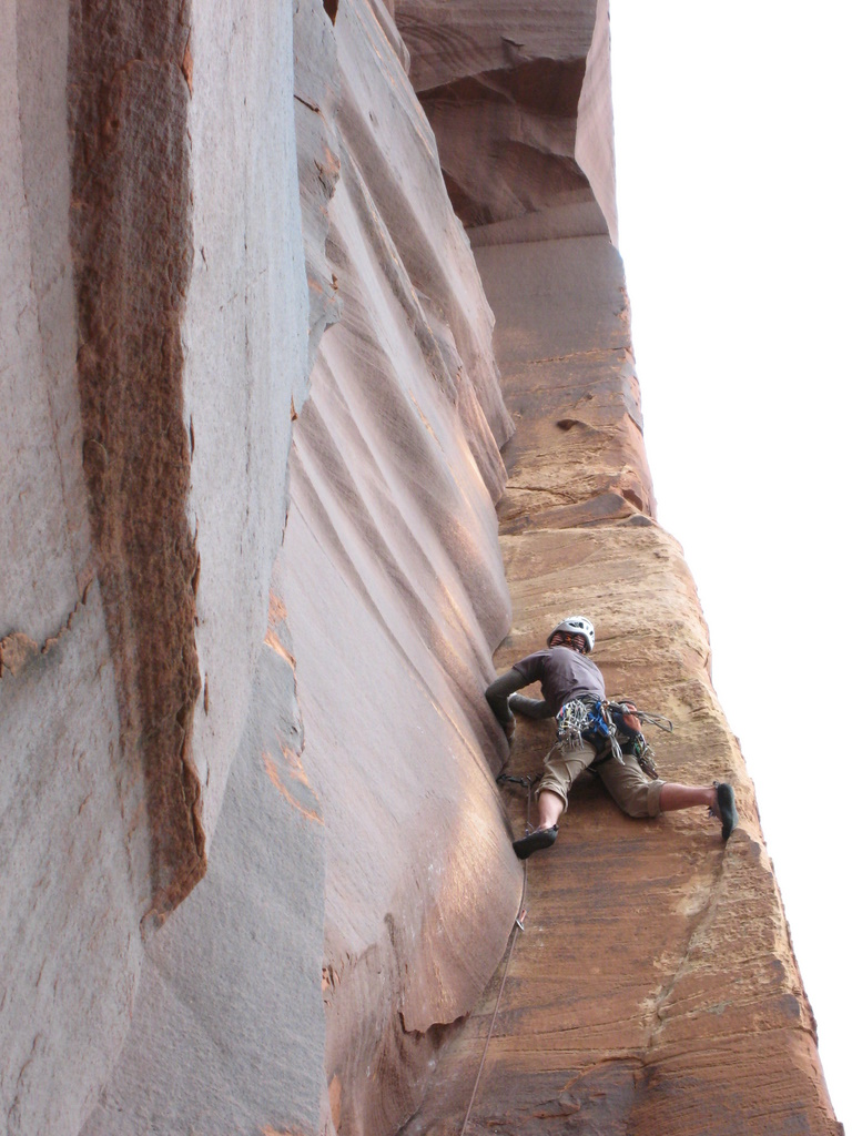 Tad stemming through some bulges on The Wave (5.10+), prior to a mini epic ...